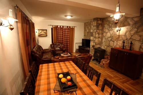 Family Apartments - Zabljak Hotel
