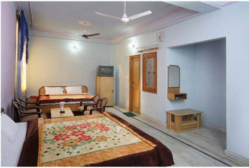Hotel Raj Bed & Breakfast - Agra Hotel